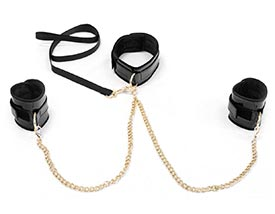 FAUX GLOSSY LEATHER COLLAR TO WRIST BONDAGE KIT